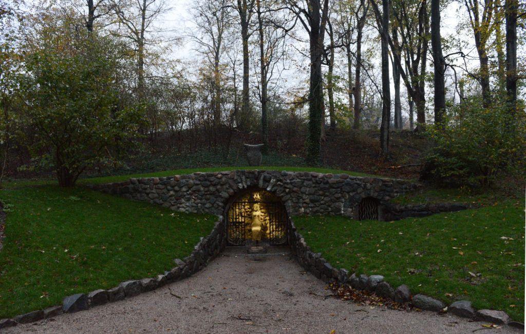 Fotoserie, Kildekonens grotte, ved MB norheim, fotos Claus Ørntoft (1) (1)